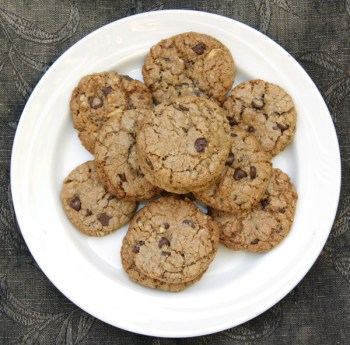 Urban Legend Chocolate Chip Cookies | Flamingo Musings