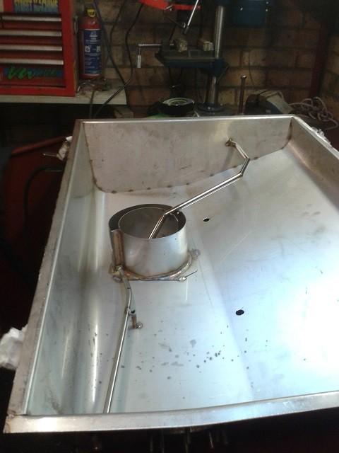 Ford Capri 2.8 Fuel Tank Replacement in Aluminium (2/3)