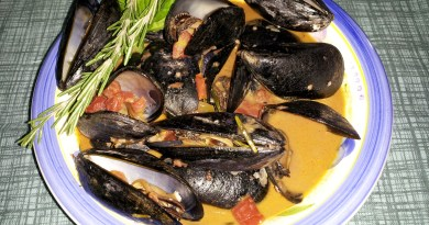 Mussels in Red Wine Green Chile Cream Sauce