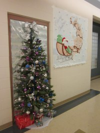 office-christmas-door-decorating-ideas