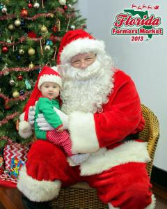 Margot Palmer meets Santa for the first time at FFM