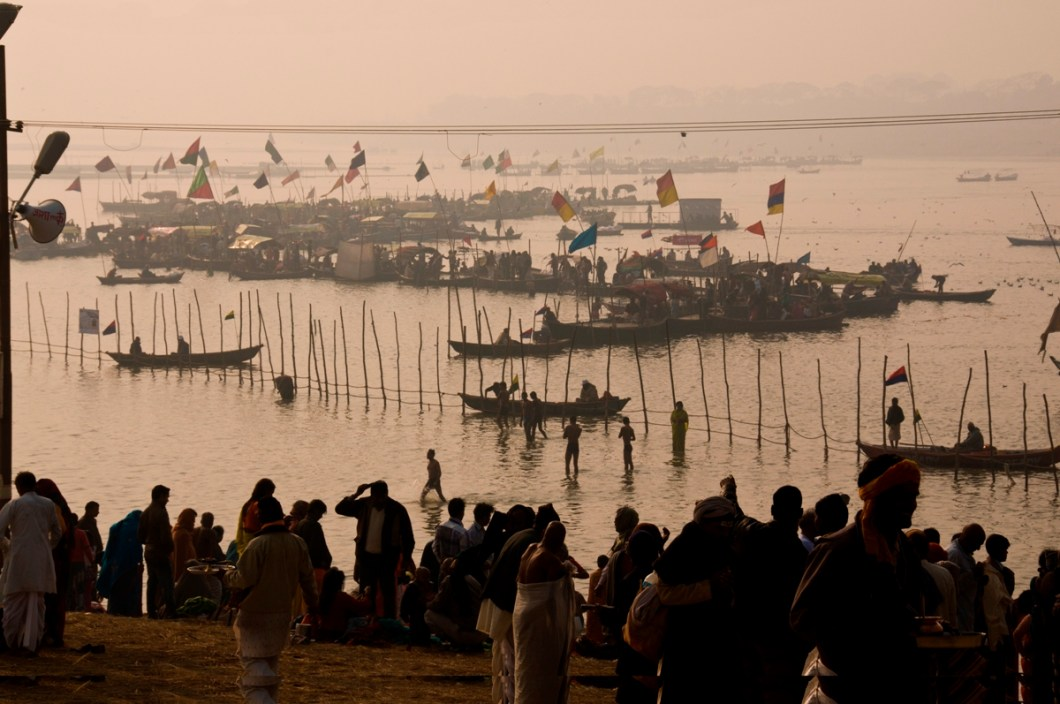 early morning bath at the ganges