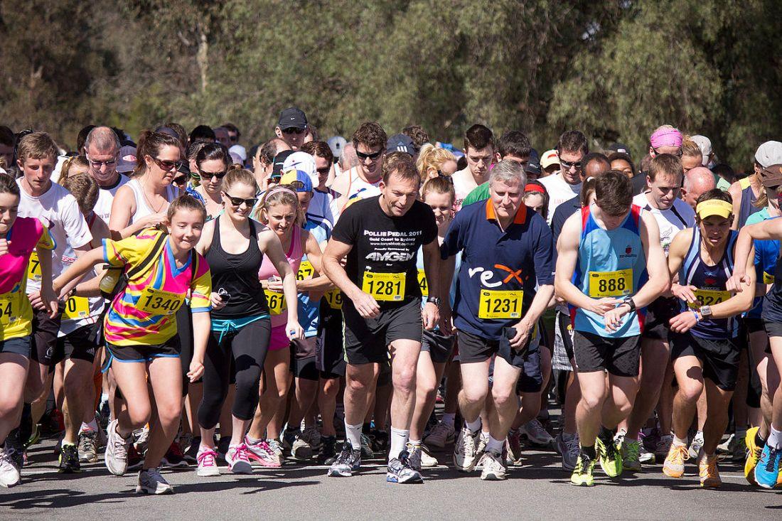1200px-2012_Lake_to_Lagoon_fun_run_begins