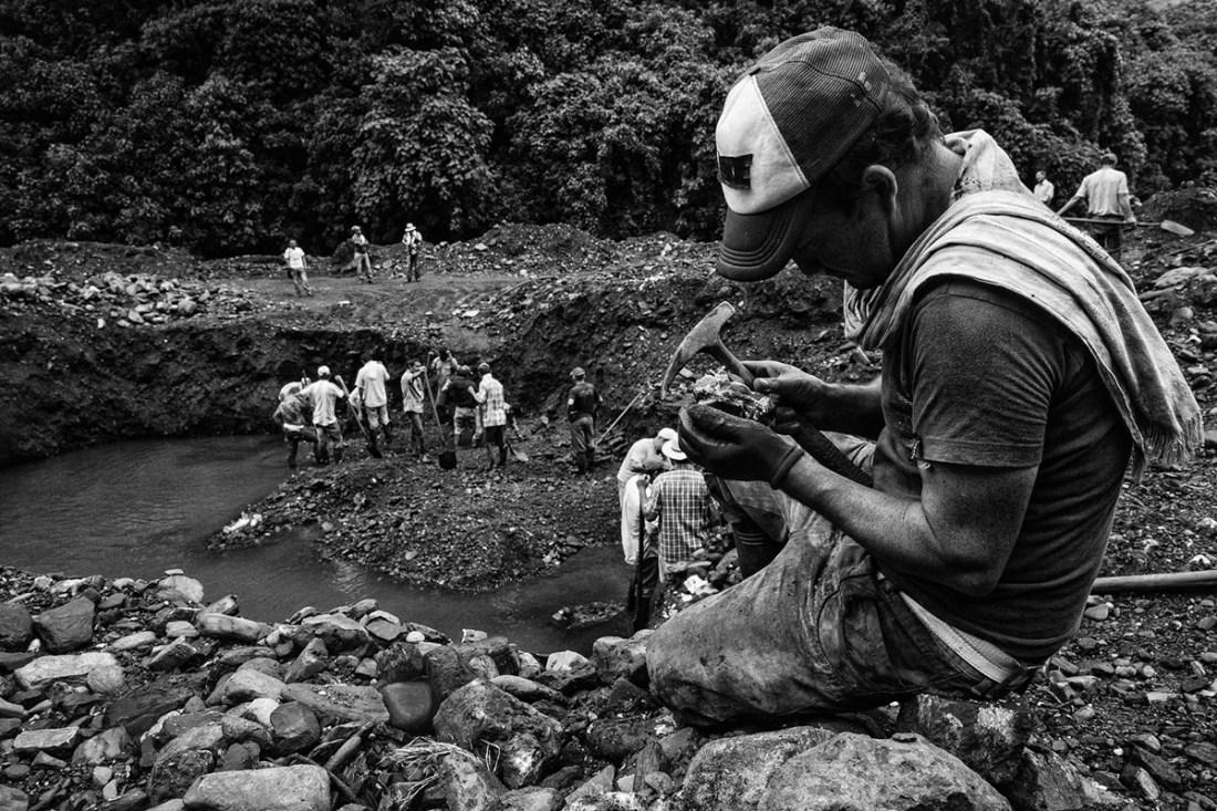 Gillmar Said Villamil - Two minutes of luck - Photoessay - Flint Magazine - Columbia_-6