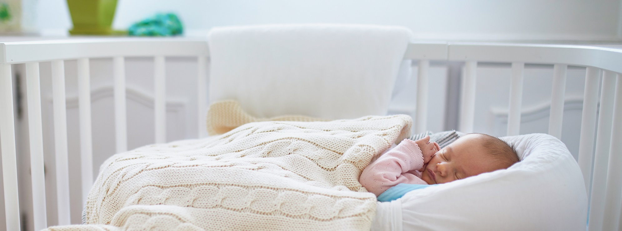 What Can Baby Sleep In Next To Bed How To Get Your Baby To Sleep In A Crib Faster 5 Surefire Tips