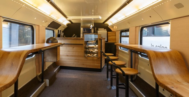 starbucks-SBB-train-3
