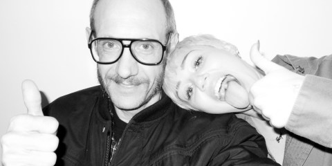 miley-cyrus-dog-moonie-terry-richardson-1