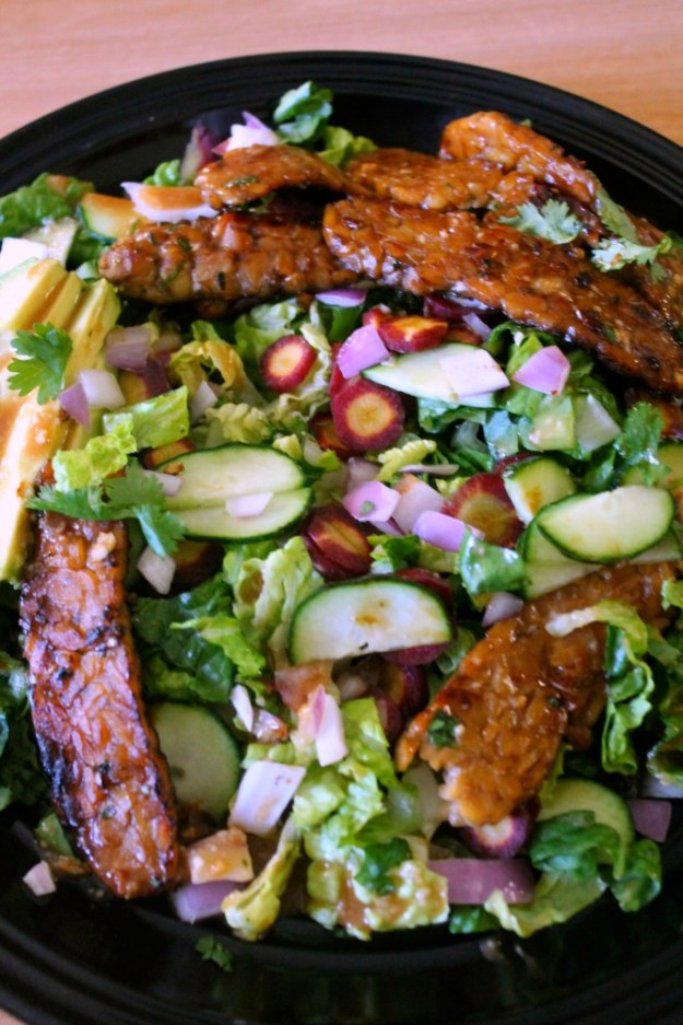 had to slide the tempeh away so you can see all the goodies in this salad!