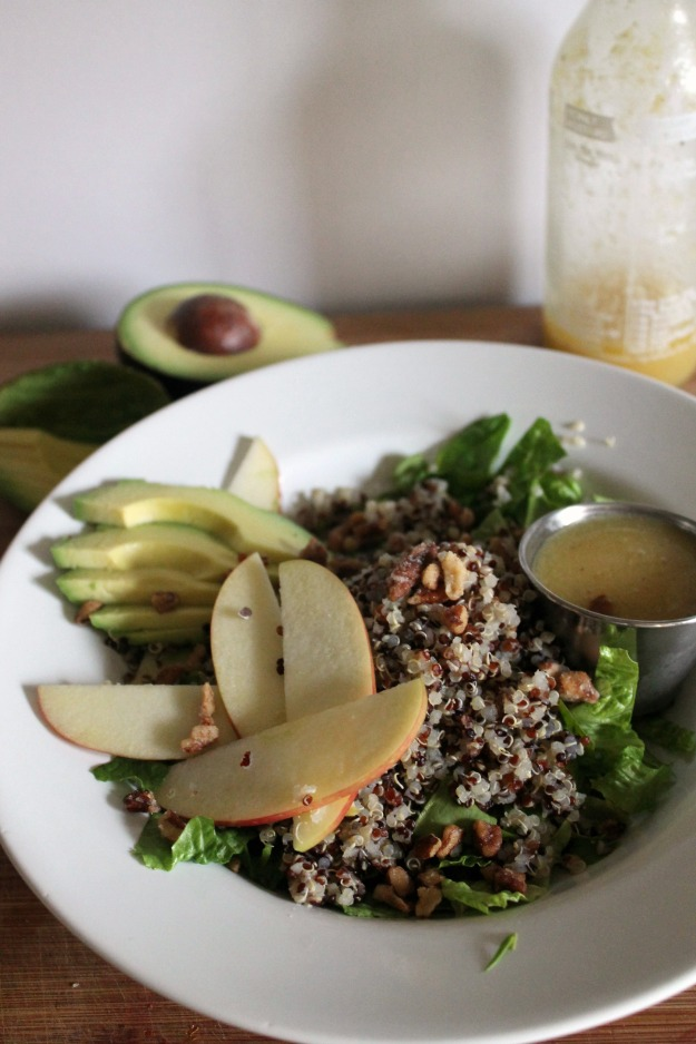 spinach, quinoa + candied pecan salad 4