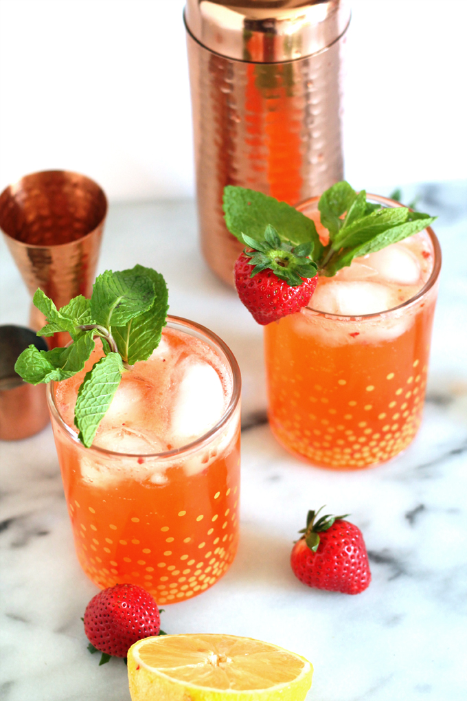 strawberry pear fizz cocktail