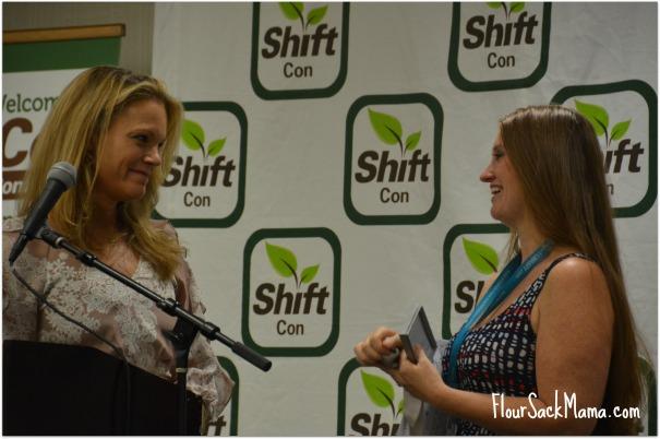 Robyn O'Brien and Leah Segedia