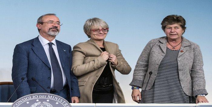 Governo Renzi e CGIL-CISL-UIL inventano l'A.P.E. bancaria. Un nuovo animale che succhia i soldi dai pensionandi e li porta, moltiplicati, a banche e assicurazioni.