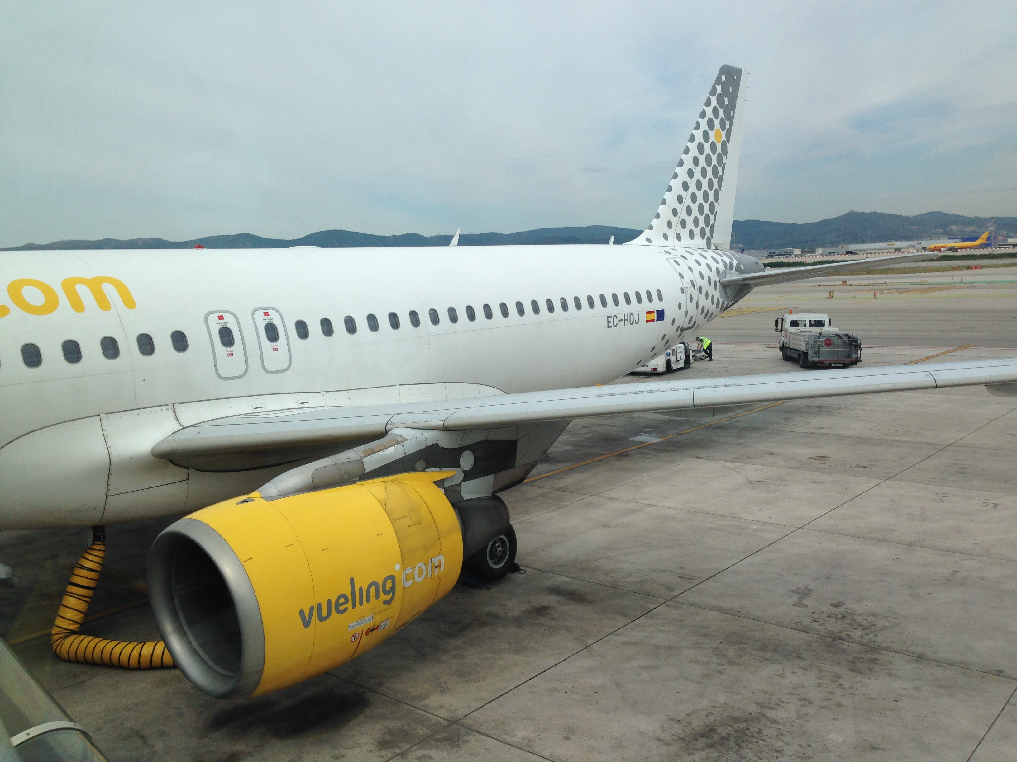 Vueling Airlines Review: Vueling Airlines A320-200 (bcn-rak, Vy 7332) - The