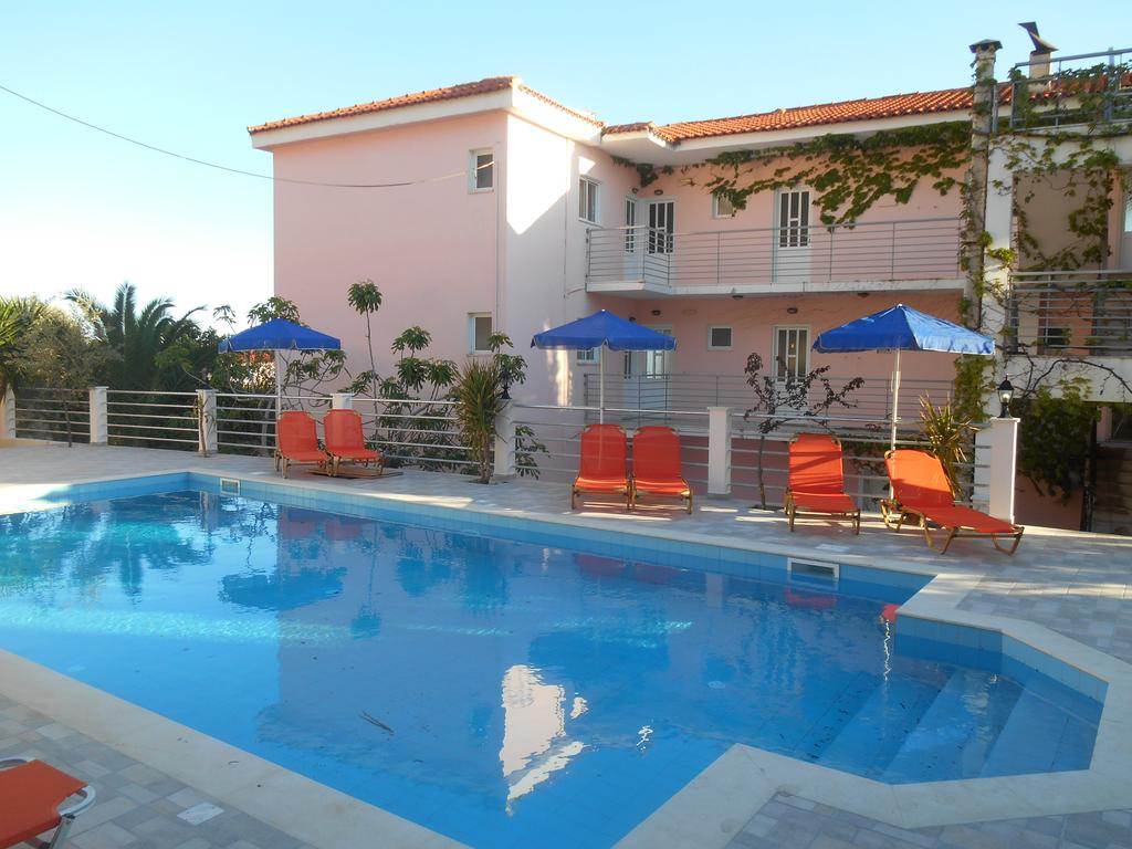 Swimming Pool Frankfurt May 7 Night Stay At Well Rated Studio In Kefalonia Flights From