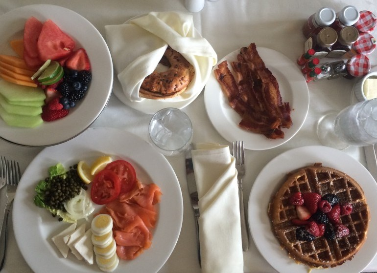 You'll Never Guess Which City Has the Most Expensive Room Service