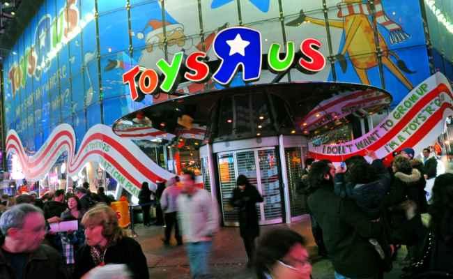 Toys R Us Kohl S Extending Store Hours