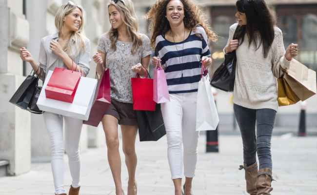 Millennials To Drive Holiday Sales Gain