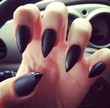 choose beautiful nail shape
