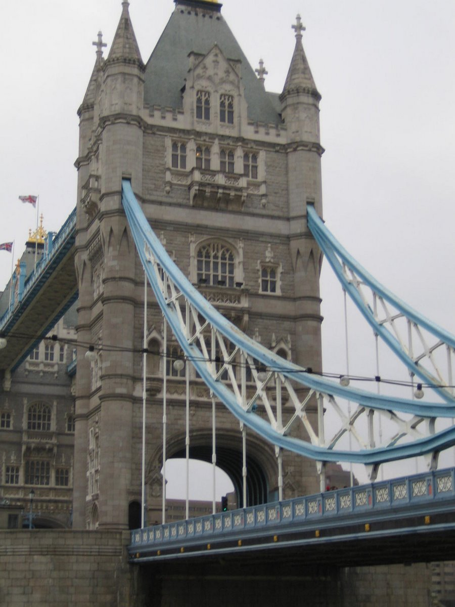 & Wall Clock Tower Of London