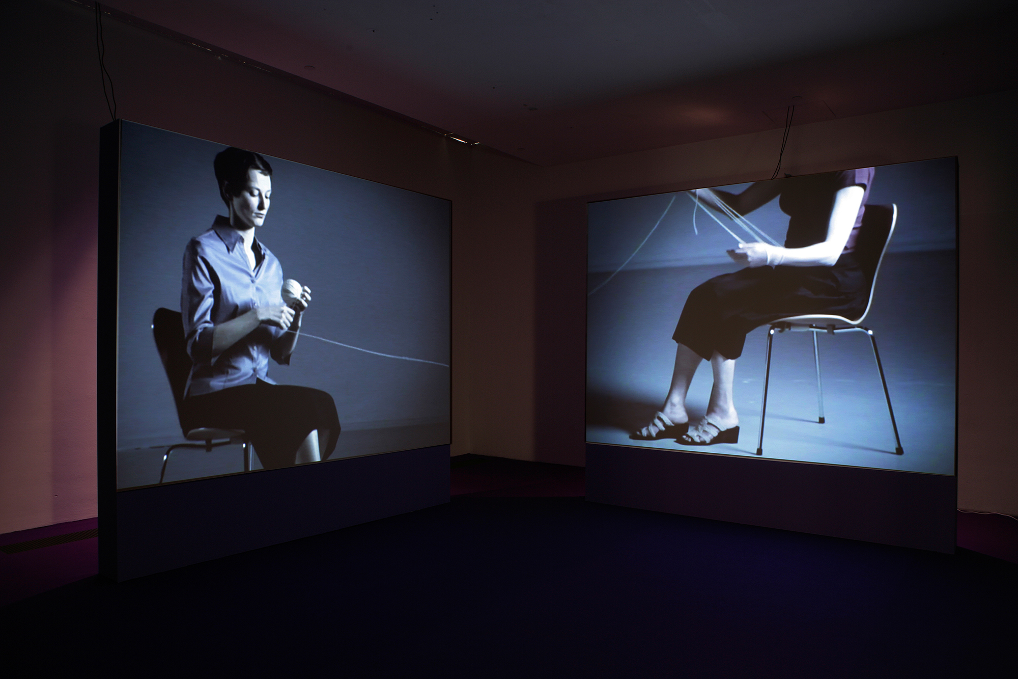 Video Art From Monitor To Gallery Space Spatialisation Of The Moving Image
