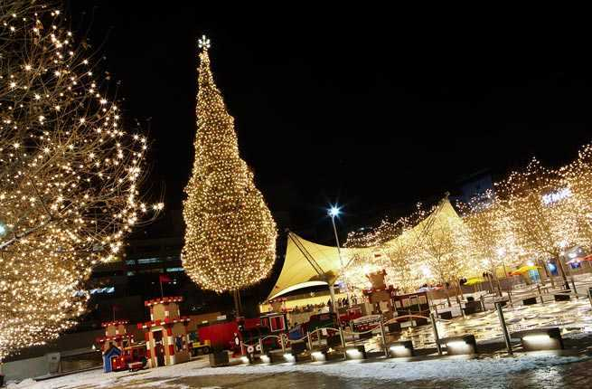 Tree Lighting Ceremony Faneuil Hall 10 Awe-inspiring Christmas Trees Across America – Fodors