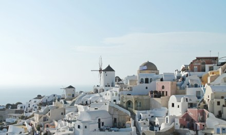 Santorini, Like a Local
