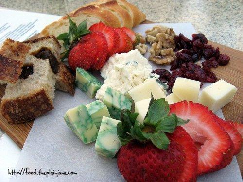 Cheese Plate / San Diego, CA - The Wine Pub