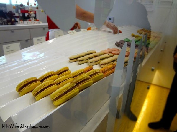 lette-macaron-shelves