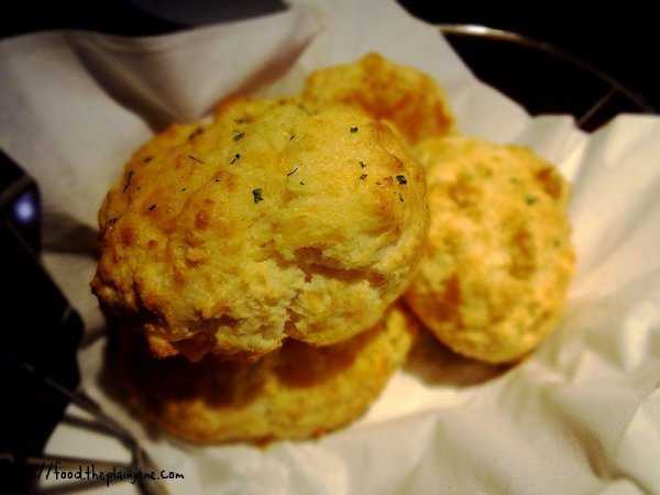 red-lobster-cheddar-biscuits