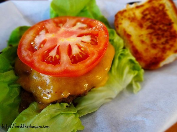 classic-cheeseburger-woodys-burgers