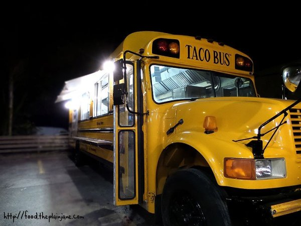 school-bus-kitchen-taco-bus