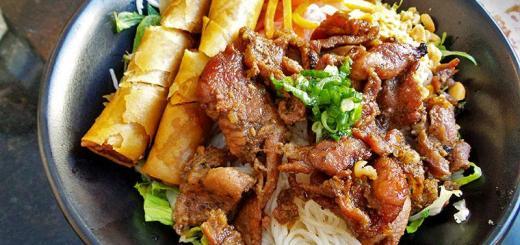 rice-vermicelli-egg-rolls-pork