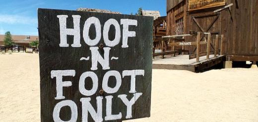 hoof-n-foot-only-pioneertown