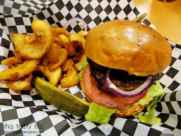 Burger Deal at Cali O Burgers | San Diego Burger Week 2016 | This Tasty Life