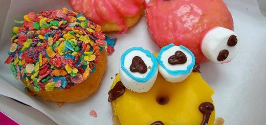 box-of-donuts-minion-donut