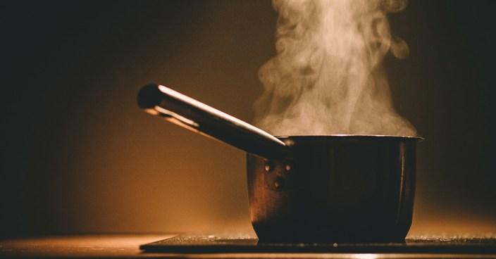 """Netflix-Doku """"Cooked"""": Über Fertigprodukte und die Magie des Kochens"""