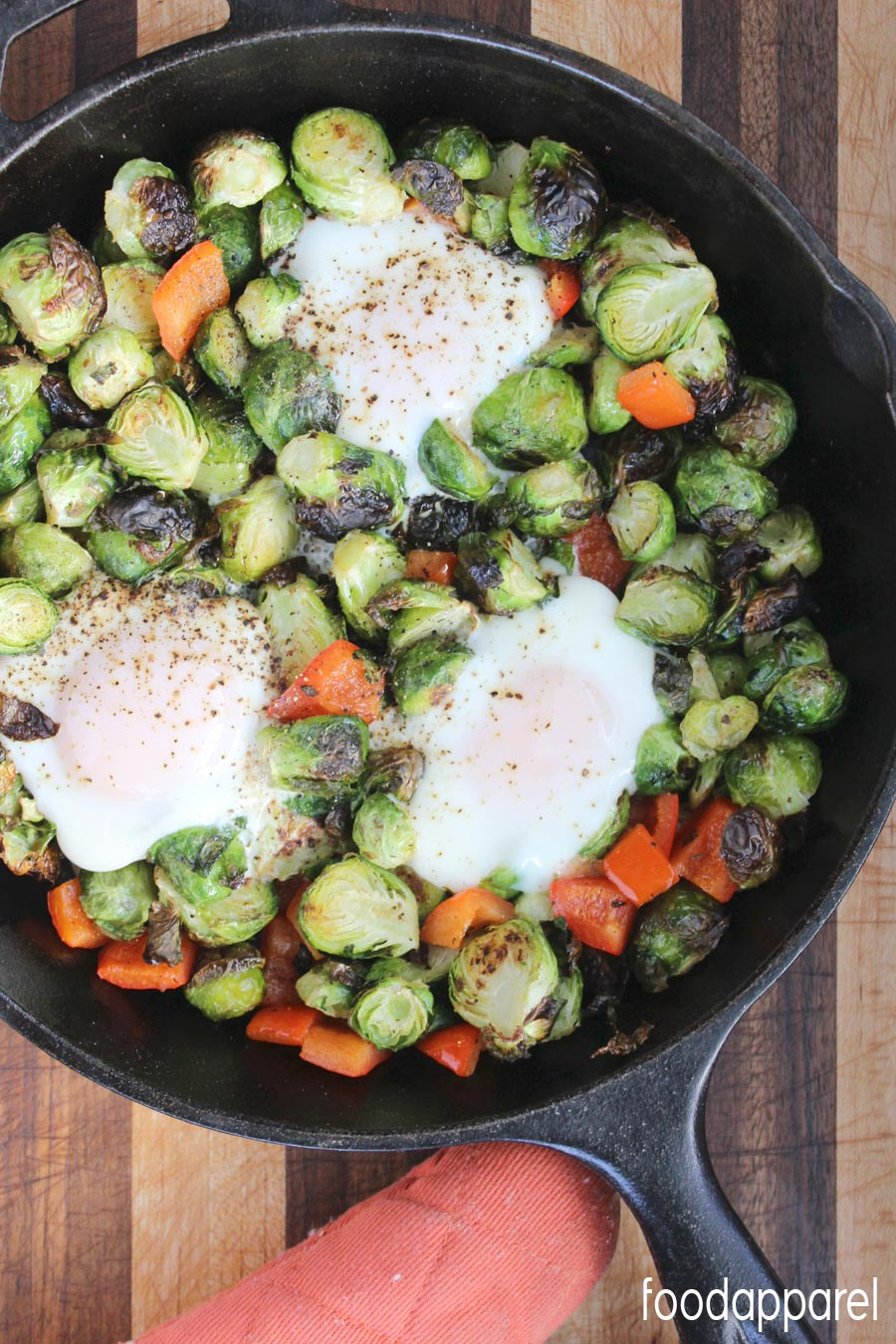 Healthy Brussels Sprouts, Red Pepper, and Egg Breakfast Skillet Recipe ...
