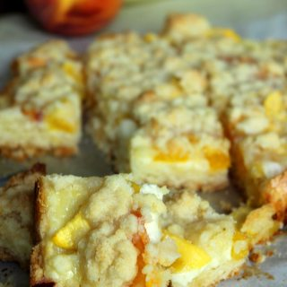 Peaches and Cream Bars Recipe! Oh my Oh my! And you can substitute other fruits, too.