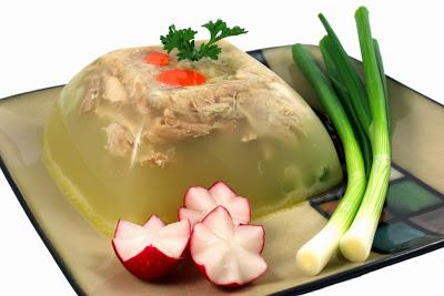 Romanian Garlic Chicken Jelly   Piftie   Racitura