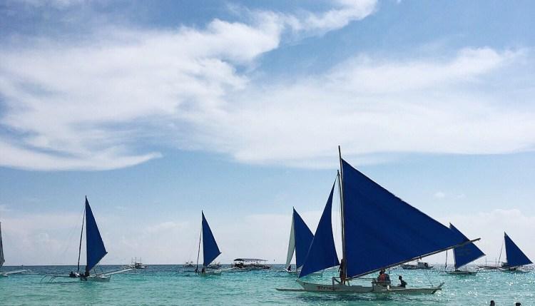 """img src=""""boracay2.jpg"""" alt=""""Boracay Island"""""""