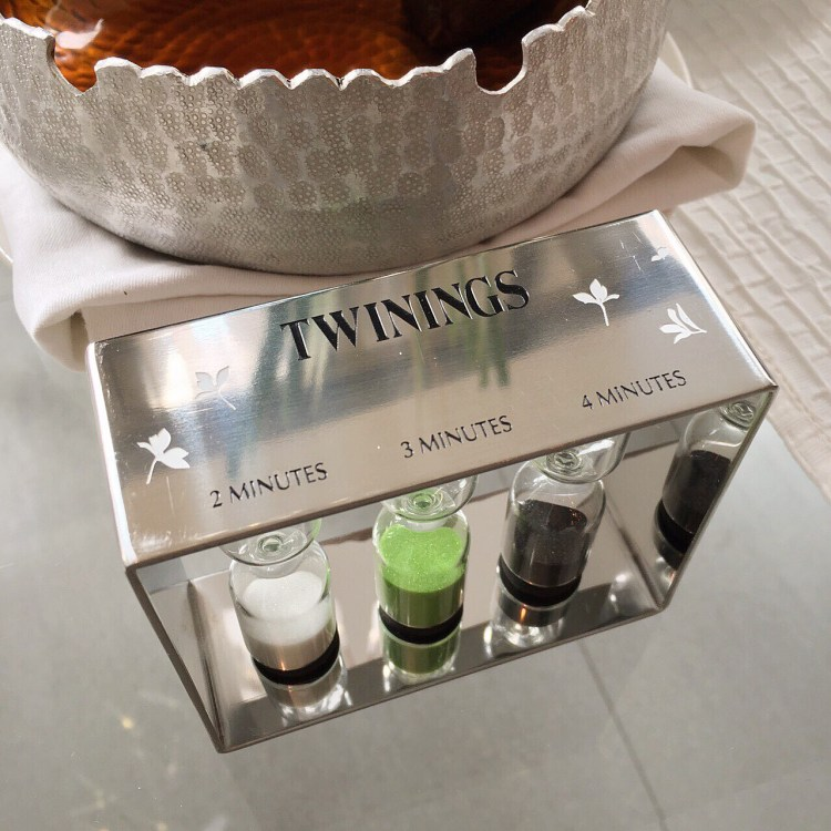 "img src=""twining3.jpg"" alt=""Twinings of London"""