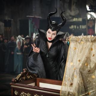 Maleficent Movie Review: Should I Take My Kids to See #Maleficent?