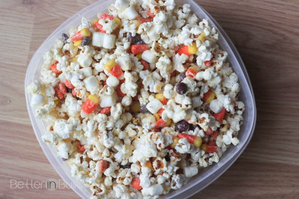 Halloween Candied Popcorn by Food Fun Family - such a fun and easy Halloween or Fall snack or lunch box treat. Quick and easy to make!