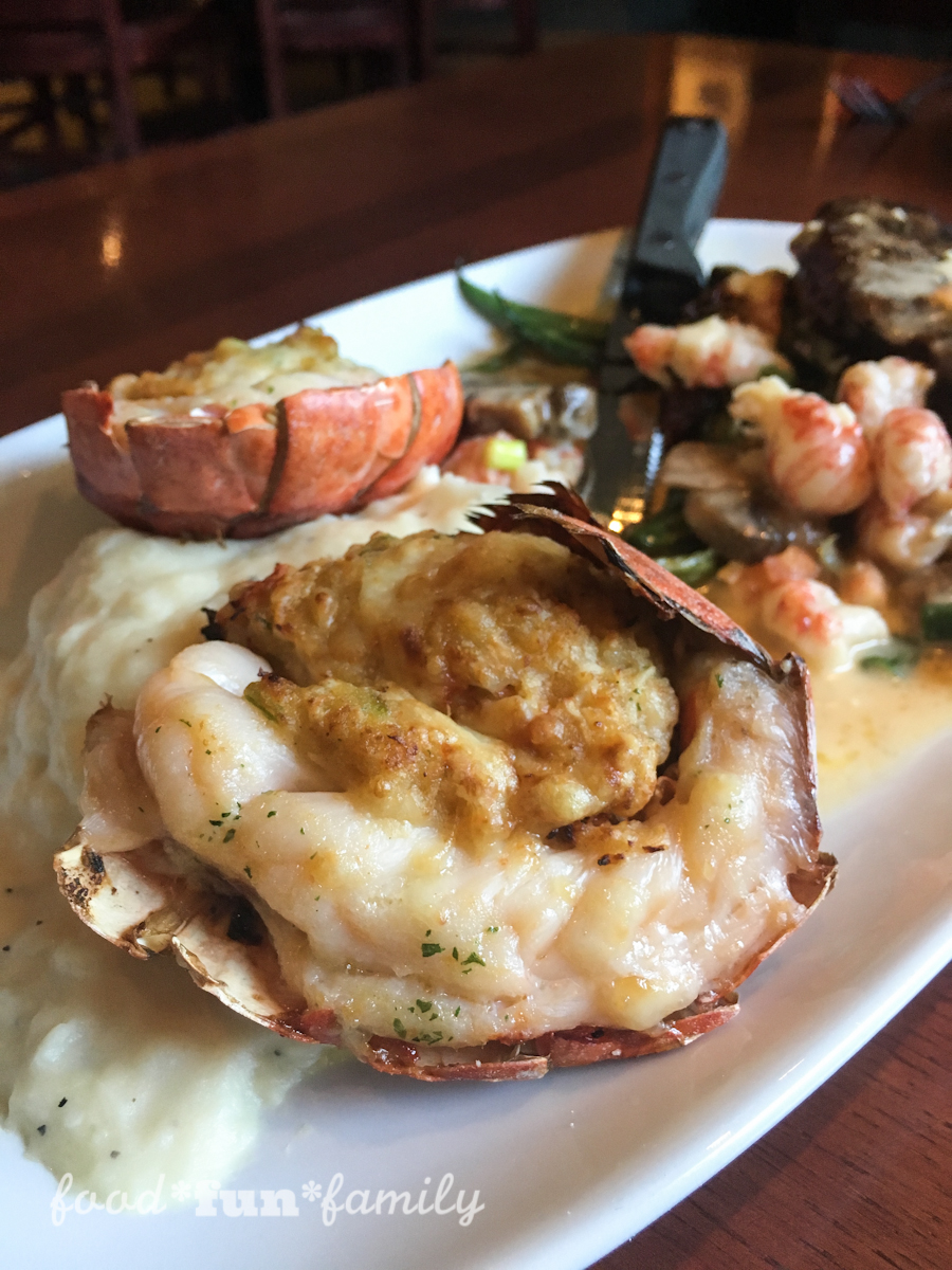Lobsterfest is Back at Red Lobster #LobsterWorthy