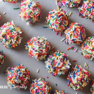 Zoomberry cake balls recipe inspired by Disney's Star Darlings series from Food Fun Family
