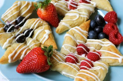 Cream-cheese-and-white-chocolate-pinwheels-with-raspberries-blueberries-and-strawberries-from-HappyandBlessedHome.com_