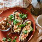 Simple & Quick Vegan Breakfast Toasts with Sausage