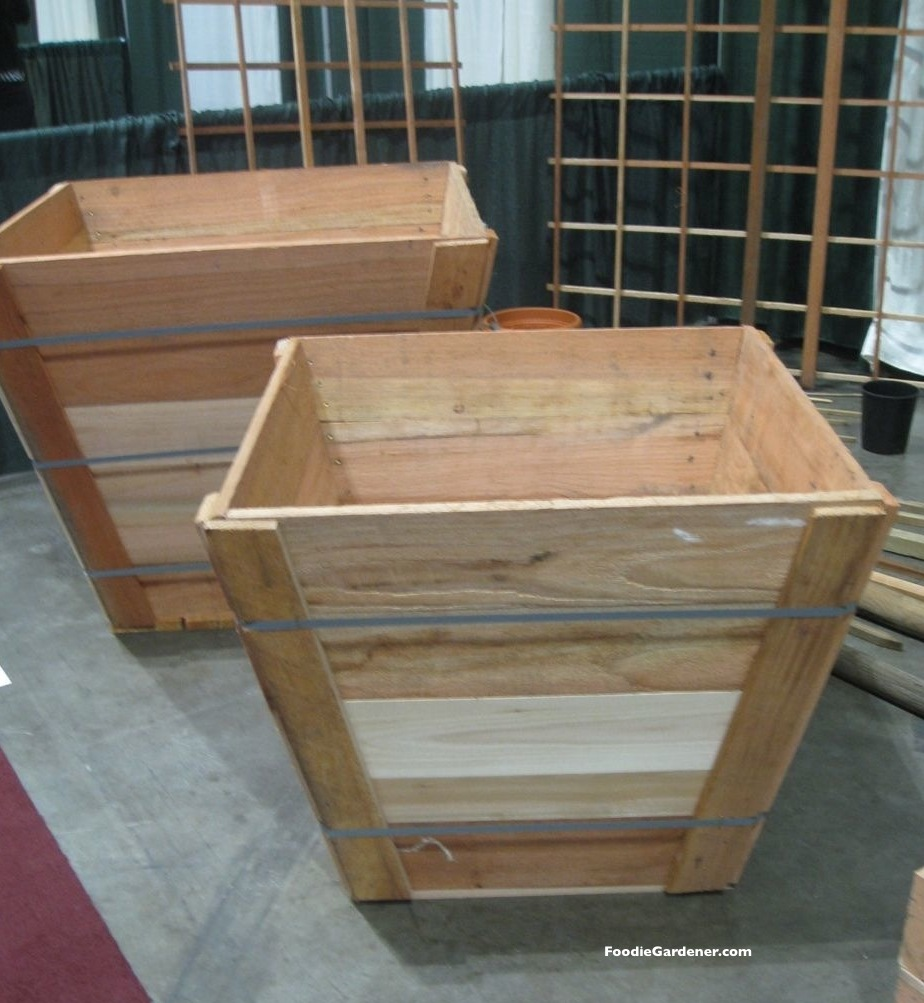recycled wood tree box as raised vegetable planter the foodie gardener. Black Bedroom Furniture Sets. Home Design Ideas