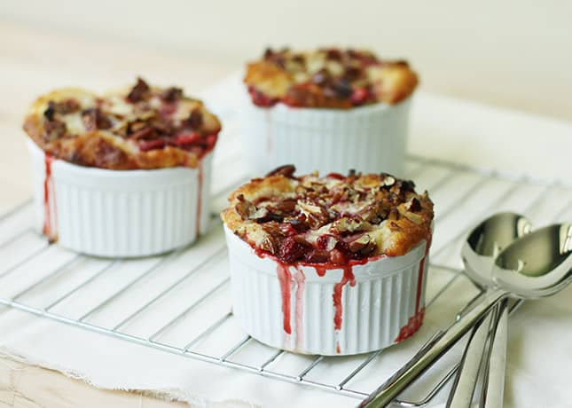 Rhubarb, Strawberry and Pecan Pudding Cakes / FoodNouveau.com