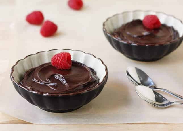 Luscious Chocolate Avocado Pudding / FoodNouveau.com